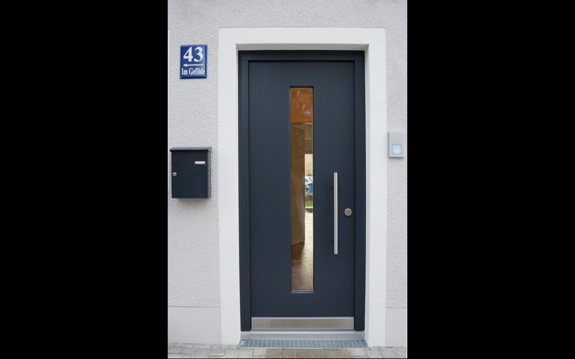 L HOMES Neubau Im Gefilde_Hauseingang_1912x1200