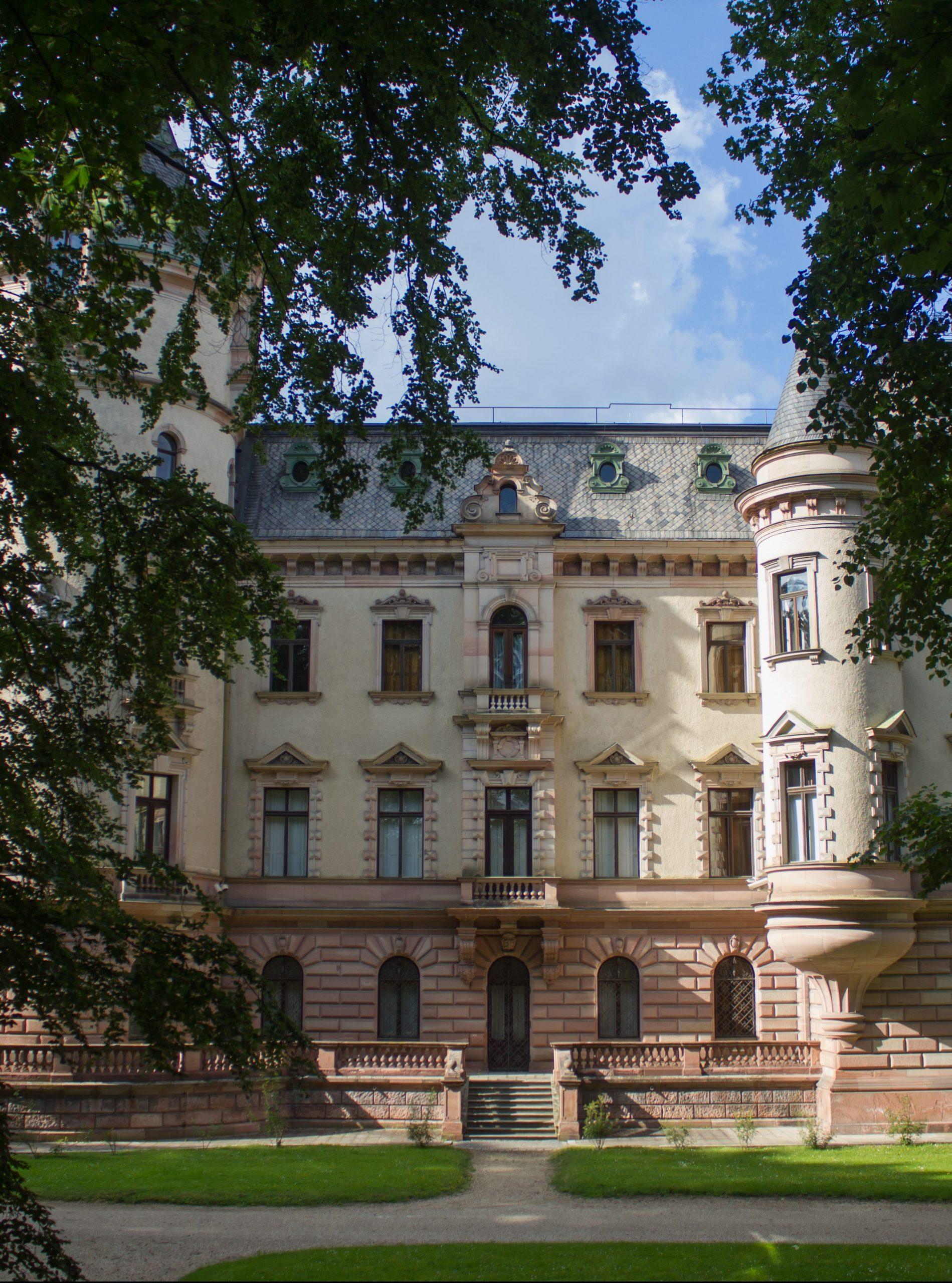 L Homes The New Regensburg Schloss